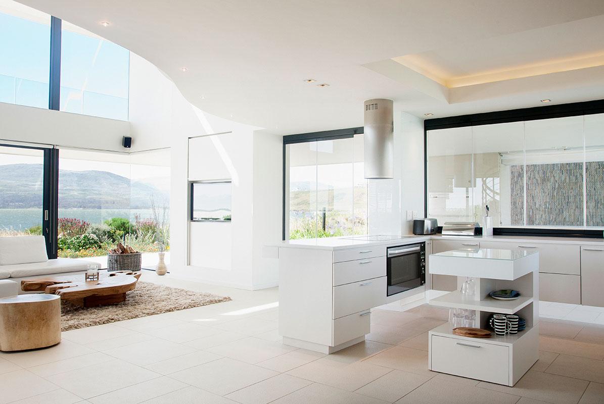 Come Dividere Sala E Cucina come arredare l'ambiente con un camino in centro stanza - il